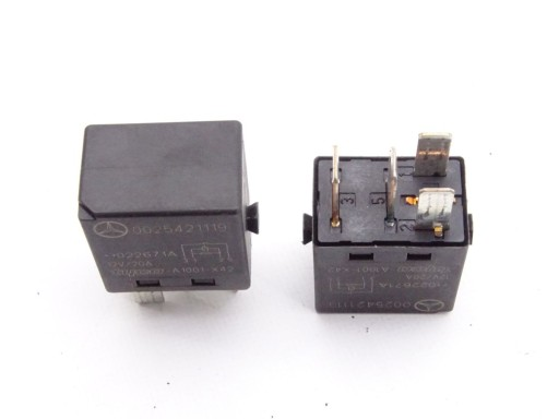 SMART FORTWO I 450 RELAY 0025421119
