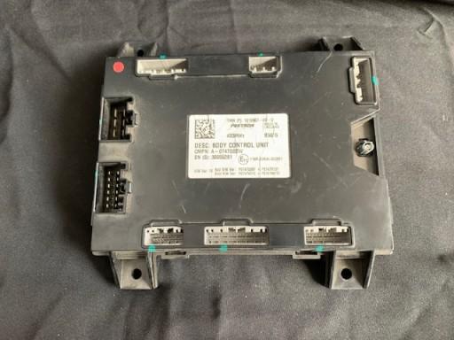 Tesla S moduł BCM Body Control Unit 1010907-00-D