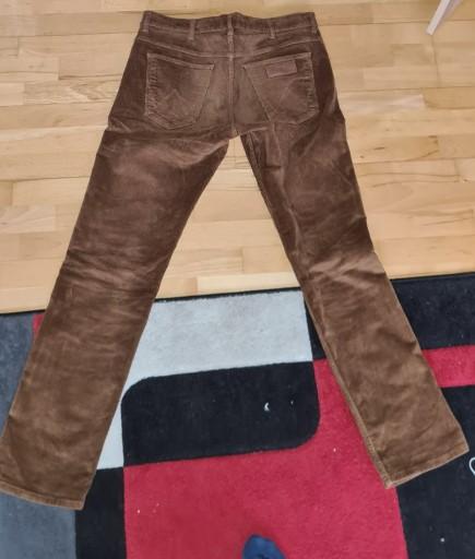 Brązowe sztruksy Wrangler W32 L34 10622899859 Odzież Męska Spodnie FJ BBXBFJ-4