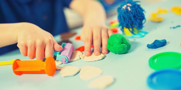 zabawki plastyczne i kreatywne