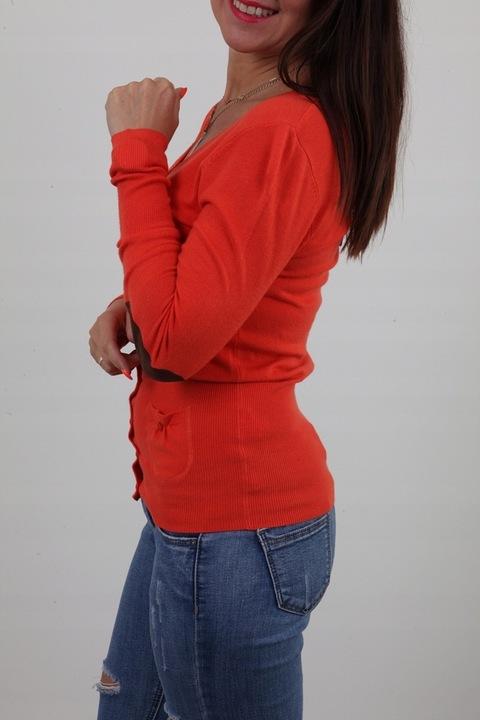 KLASYCZNY SWETEREK GUZICZKI DEKOLT ŁATY KOLORY M/L 9295128275 Odzież Damska Swetry CS NEEZCS-5