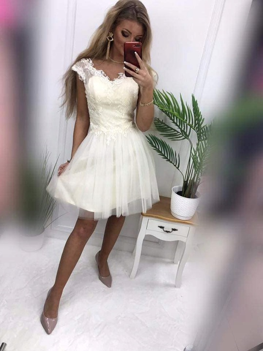Tosia CZERWONA ROZKLOSZOWANA z tiulem S 9709397678 Odzież Damska Sukienki wieczorowe RE LVAARE-6