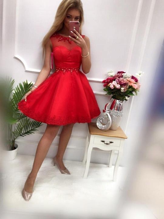 Roni CZARNA ROZKLOSZOWANA z tiulem L 9650347132 Odzież Damska Sukienki wieczorowe AR BAPRAR-1