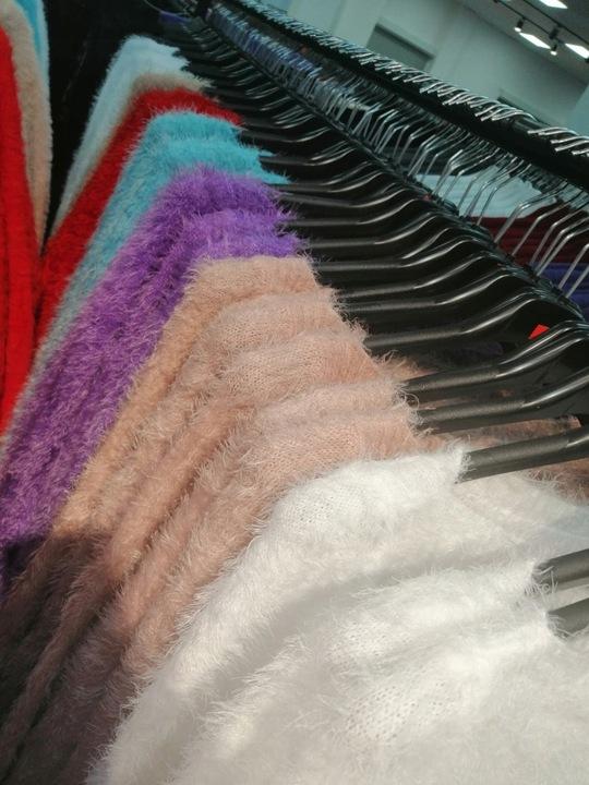 Dopasowany Sweterek moherowy biały 9606425912 Odzież Damska Swetry LH CWYDLH-9