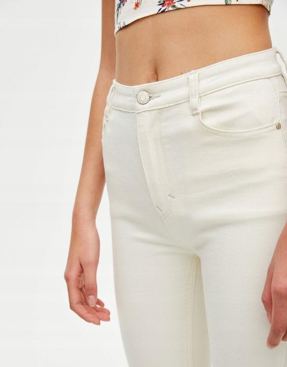ekonomiczny Jeansy ecru super skinny PULL&BEAR roz.36