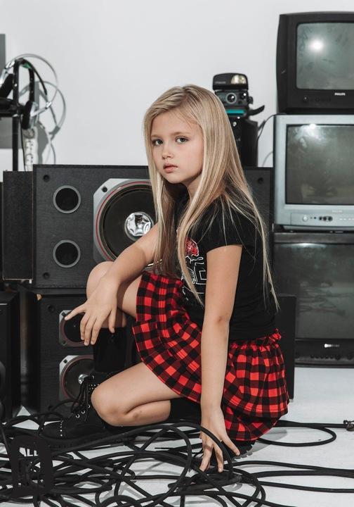 Bluzka nadruk rÓża ALL FOR KIDS czarny 152-158 9863012485 Dziecięce Odzież KF TJNGKF-7