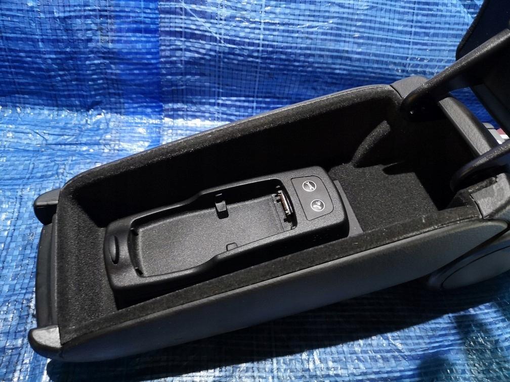 запчасти подлокотник Audi A4 B6 2000 2004 разборка купить в